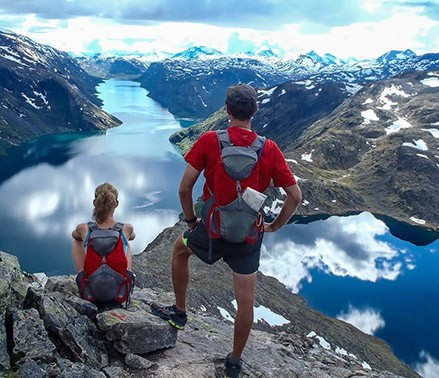 Two people hiking in Norway